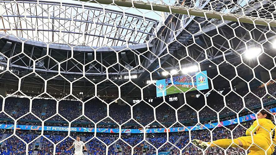 Els penals somriuen a Espanya i la catapulten a les semifinals