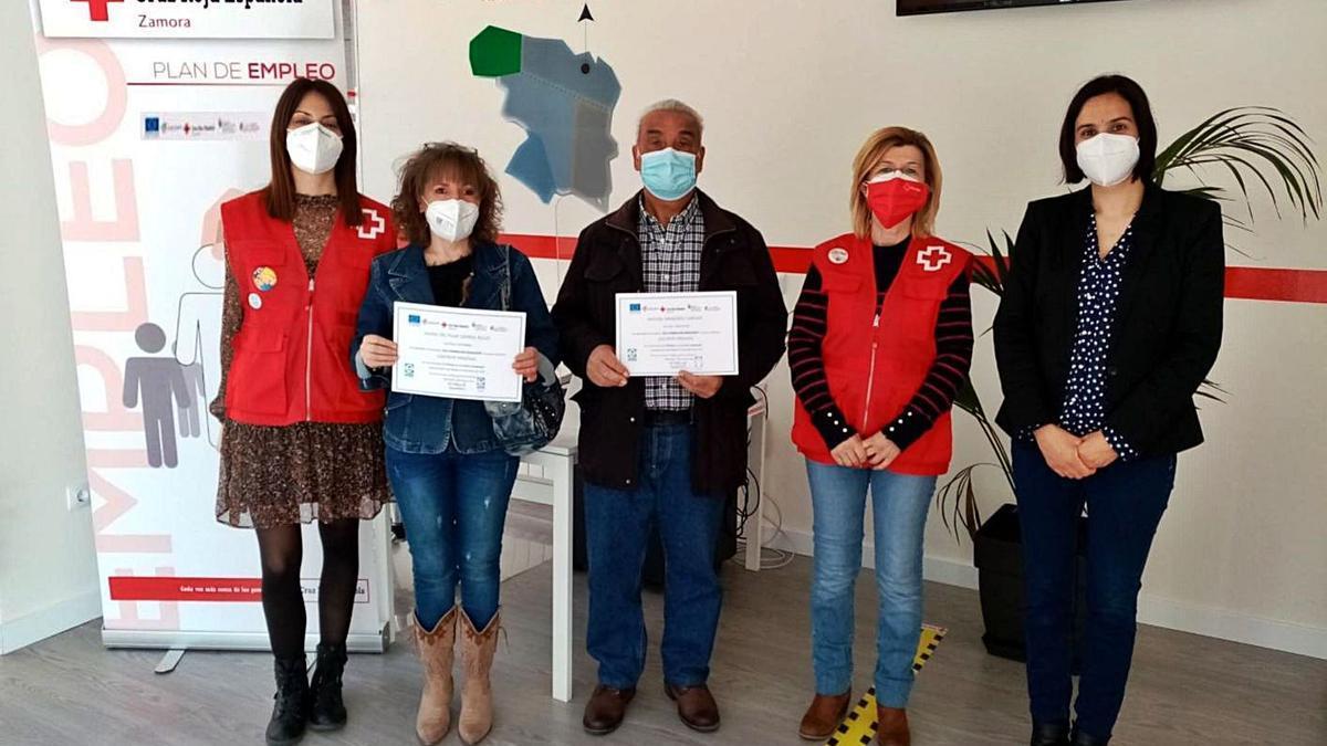 Cruz Roja entrega los diplomas del curso de asistente personal | CEDIDA
