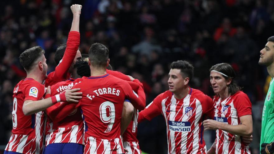 El Atlético remonta y sigue creyendo en la Liga