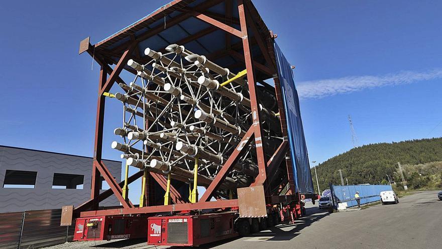 Embarcan parte de un reactor para una refinería de Holanda fabricada en Idesa
