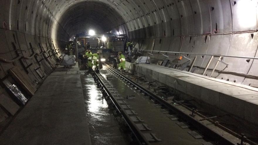Concluye el montaje de los 49,2 kilómetros de vías en los túneles de la variante de Pajares