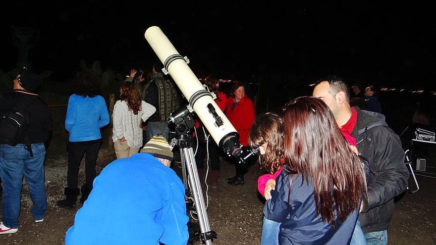 Concluye el ciclo de  observación astrónomica en Cala d'Hort