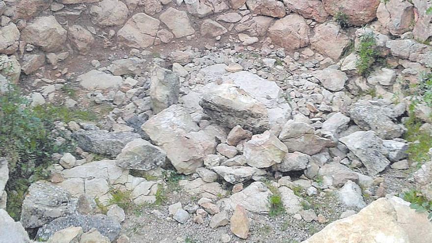 Acto vandálico en el talayot de les Abelles de Puigpunyent