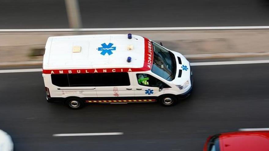 Un hombre muere apuñalado en un portal de Barcelona
