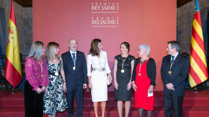 La Reina Letizia preside en València la ceremonia de los Premios Rey Jaime I