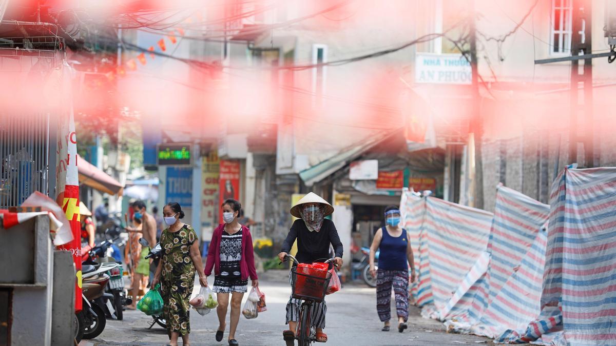 Vietnam despliega el Ejército para apoyar el confinamiento de su mayor urbe.