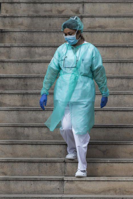 Homenaje a Fina Belenguer, sanitaria fallecida por coronavirus en el Dr. Peset
