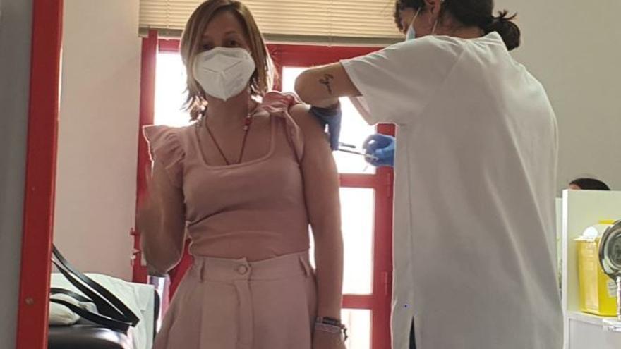 """Alcaldesa de Monforte: """"Si queremos acabar con la pandemia hay que vacunarse"""""""