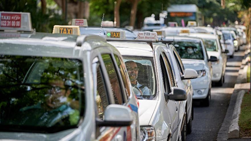 Las Palmas de Gran Canaria tiene el taxi más barato y Santa Cruz, donde más sube