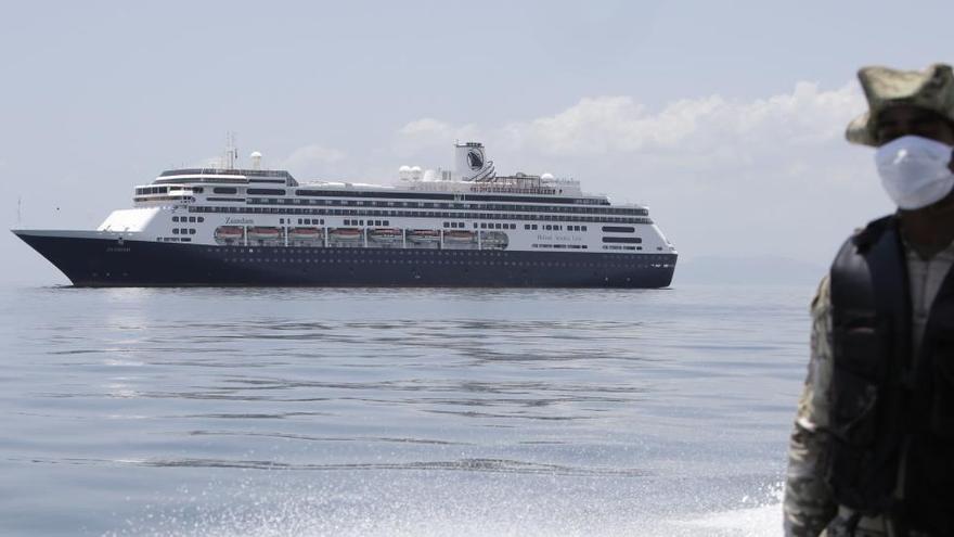 Mueren 4 pasajeros en un crucero que regresa a EEUU con gente enferma