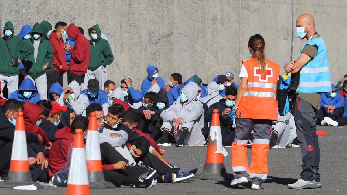 Inmigrantes llegados en una patera a Canarias.