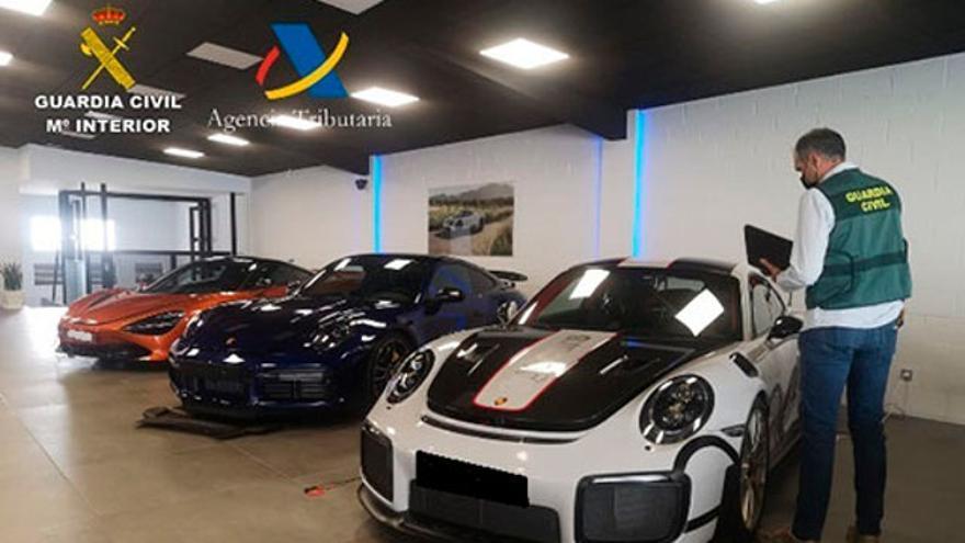 Desarticulan una red vinculada a Vilagarcía que defraudó 7 millones de IVA en compraventa de vehículos