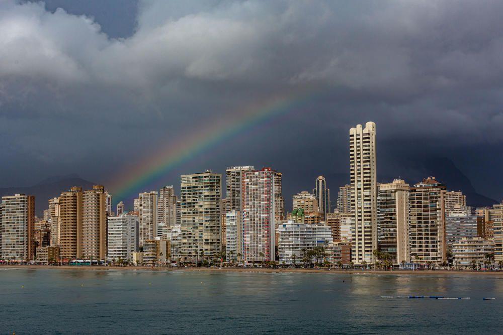 Temporal de lluvia y viento en la Marina Baixa