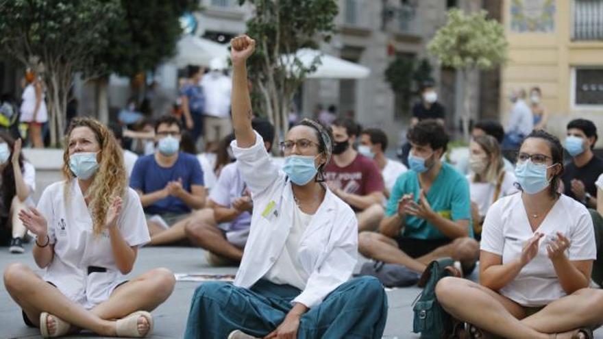 Los médicos recurren a la huelga para pedir auxilio contra su abandono