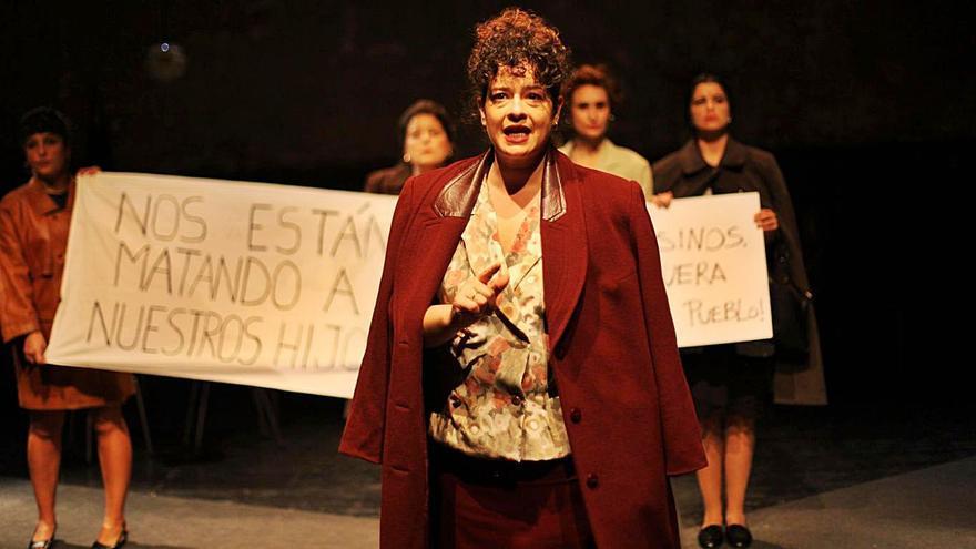 """Las madres de Érguete se """"suben"""" al escenario... en Madrid"""