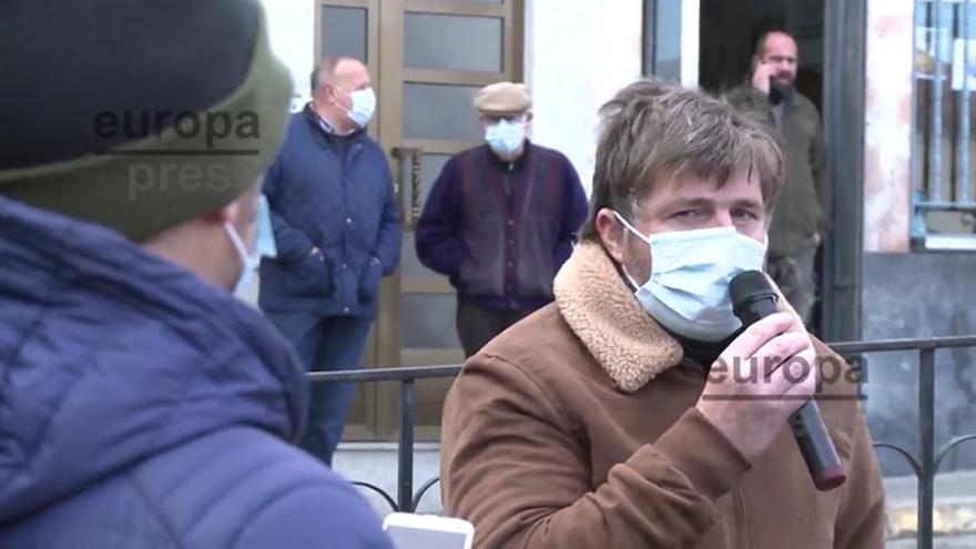 Un policía local de Alburquerque inicia una huelga de hambre por impago a trabajadores