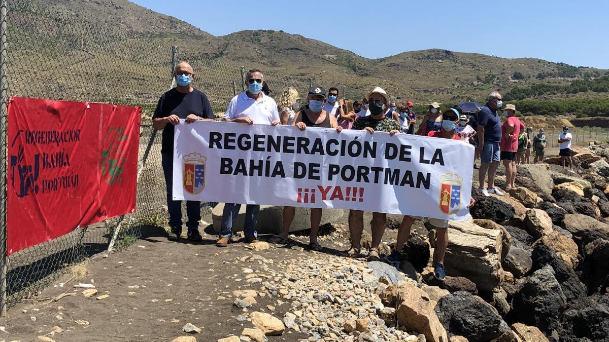 Vecinos de Portmán reivindican la regeneración de la Bahía
