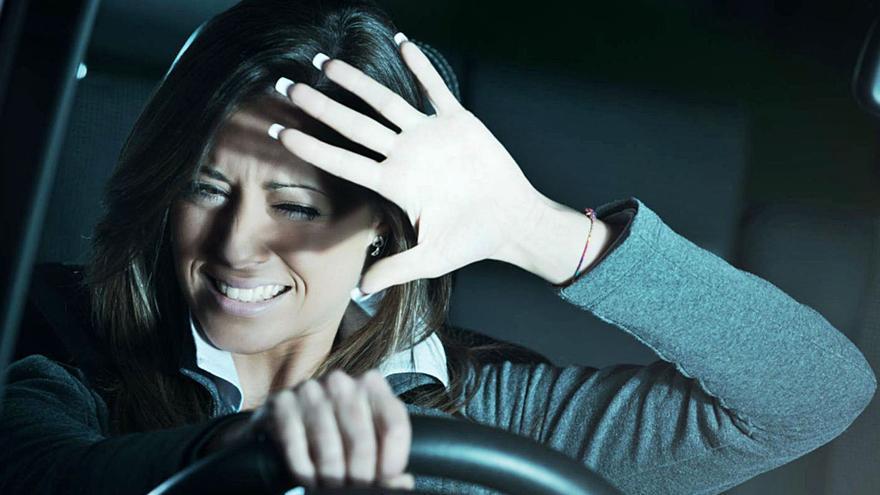 """Los problemas  del """"efecto mirón""""  en la carretera"""