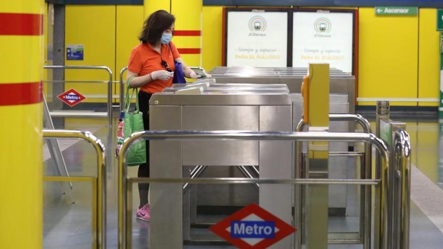 Metro de Madrid implanta 52 nuevos sistemas de validación de billetes sin barrera