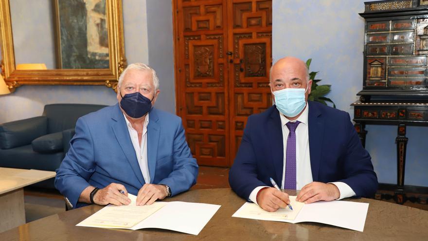 La Diputación fomenta la divulgación en Artes y Ciencias con la firma de un convenio con la Real Academia de Córdoba
