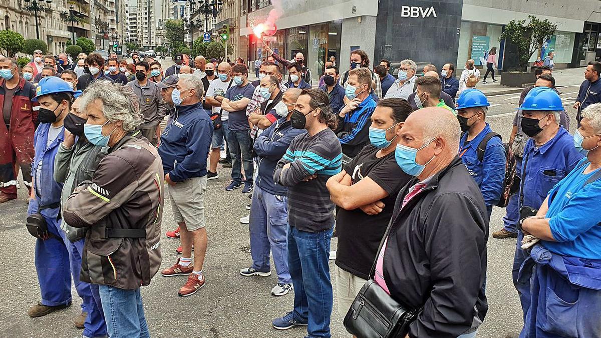Instante de la marcha,  ayer en Vigo.   | // MARTA G. BREA