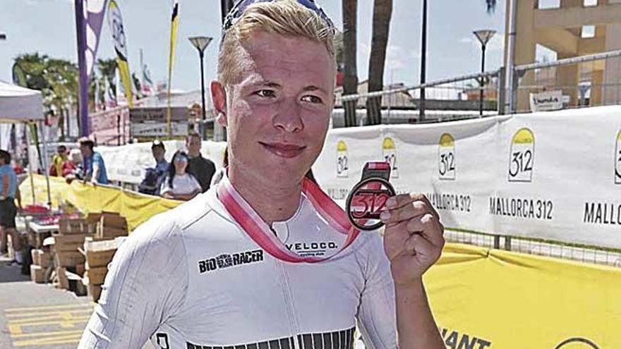 El ganador de la 312 carga contra Lluís Borrás