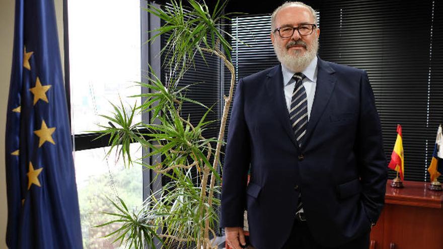 """Pedro Alfonso: """"Canarias tiene que apuntalar todas las empresas solventes"""""""
