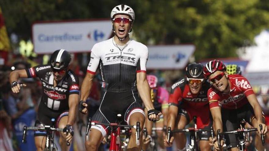 La Vuelta llega a Lleida al esprint sin Froome y triunfo de Van Poppel