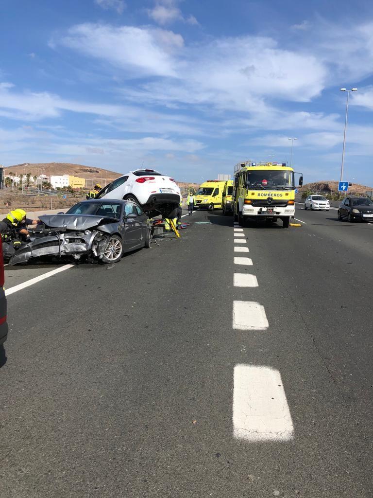 Aparatoso accidente en la GC-1