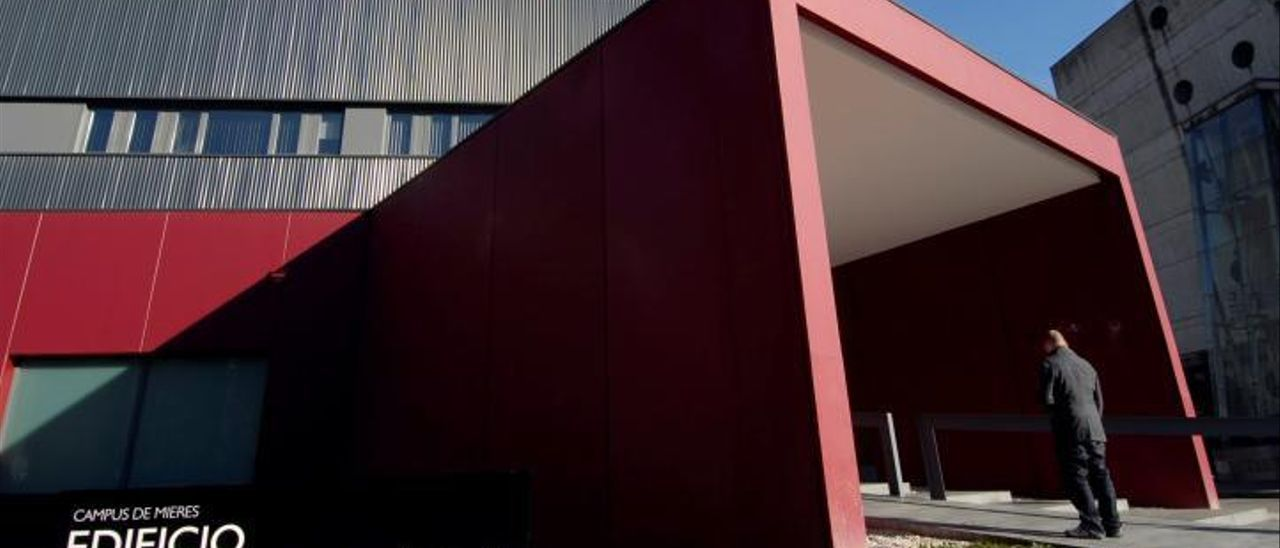 El edificio de investigación del campus de Mieres, sede del IMBI.