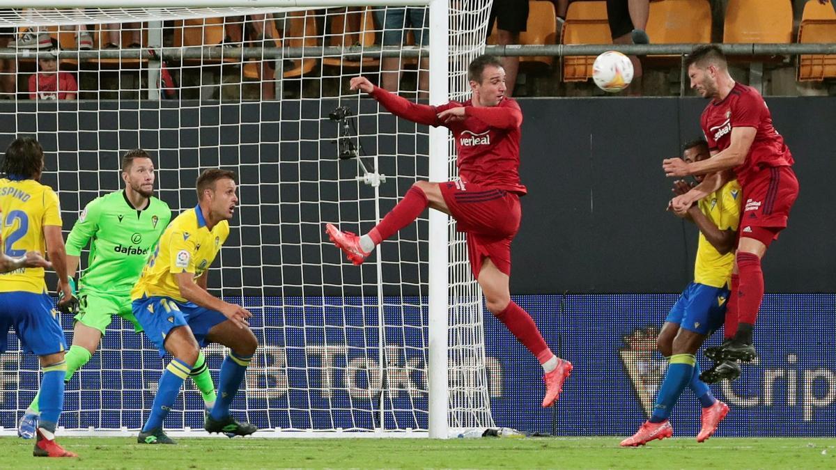 David García marcó de cabeza el tercer gol de Osasuna.