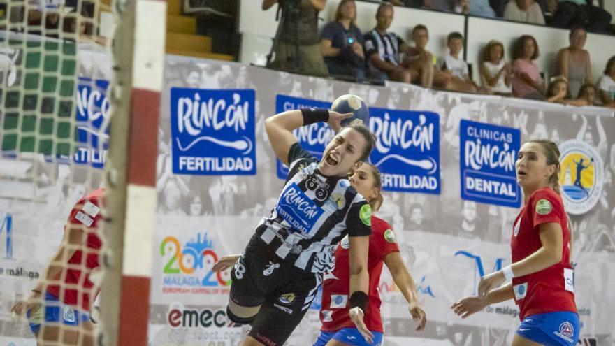 Partido entre Balonmano Salud Tenerife y Rincón Fertilidad Málaga