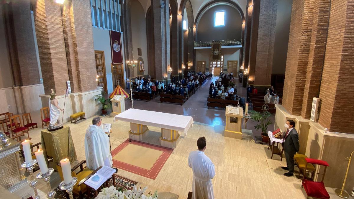 La basílica acogió esta mañana una misa por los 50 años de su bendición.