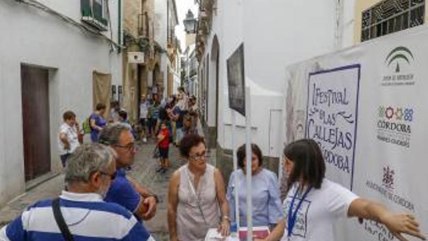"""García destaca que """"miles de personas"""" hayan disfrutado del Festival de las Callejas"""