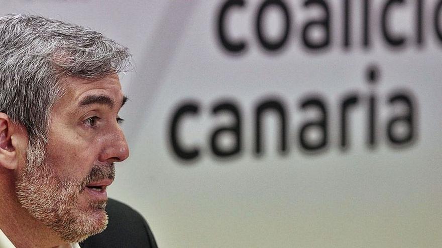 """Clavijo pide la comparecencia """"urgente"""" del Defensor del Pueblo tras su """"devastador"""" informe sobre la migración en Canarias"""
