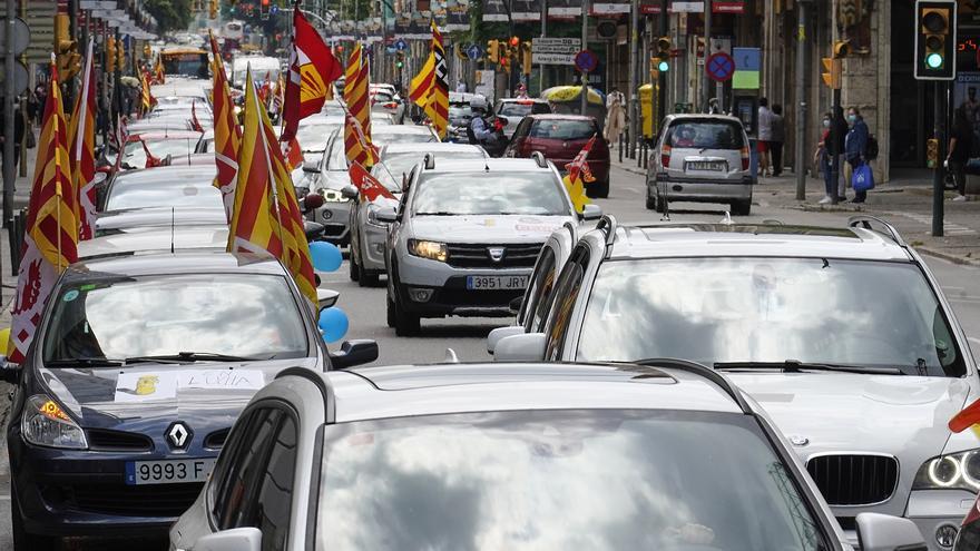 Marxa lenta de treballadors de Correus a Girona