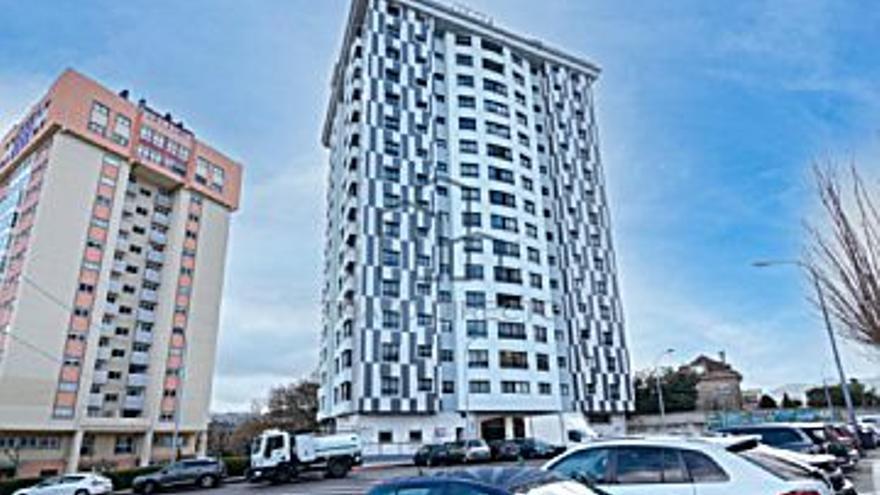 260.000 € Venta de piso en Travesas, Balaídos (Vigo), 3 habitaciones, 2 baños...