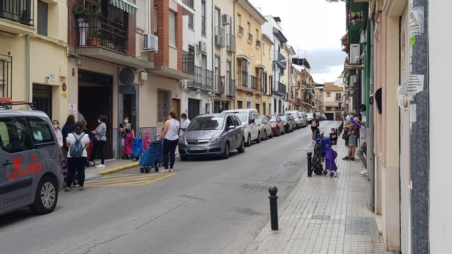 Más de 1.800 personas reciben alimentos en las cinco Cáritas parroquiales de Lucena