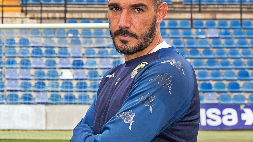 Moisés García: «Por historia y entidad, al Hércules se le exige jugar vistoso y atacar; no es suficiente con defender bien»