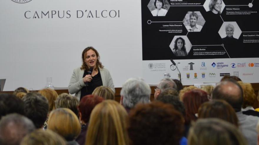 Multitudinaria conferencia de Heloïse Vilaseca, del Celler de Can Roca, en la Semana de la Ciencia del Campus de Alcoy de la UPV