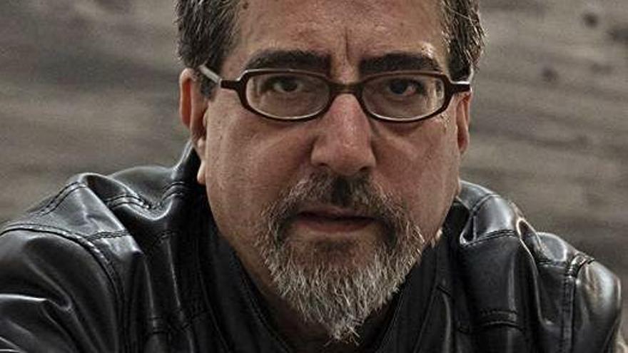 """Luis García Jambrina publica """"El manuscrito de barro"""""""