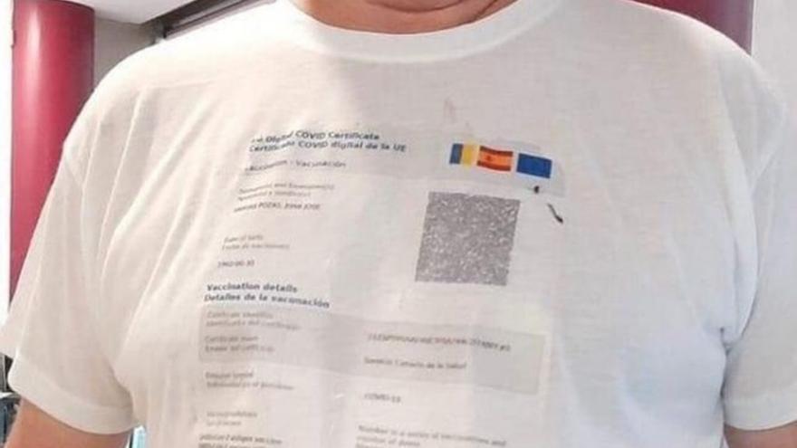 Camisetas con certificado Covid personalizado, la última moda
