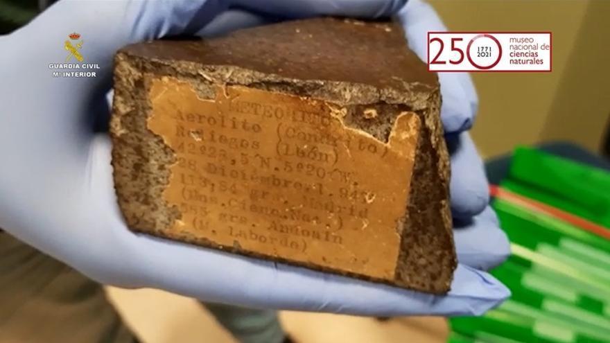 Recuperan un fragmento de meteorito que cayó en León en 1947 tras desaparecer de un museo