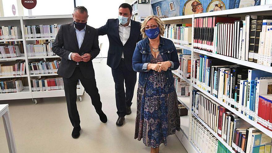 Cambre estrena la nueva biblioteca central tras una década de gestiones para su traslado