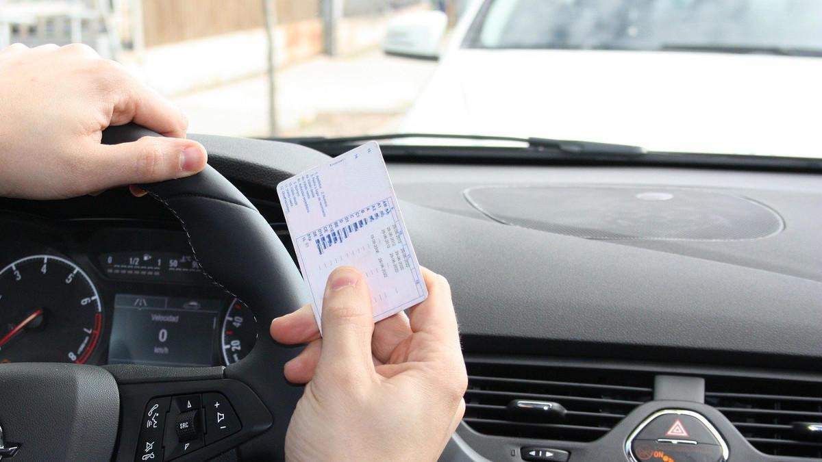 Cómo pedir el carnet provisional de conducir por Internet de forma fácil y rápida