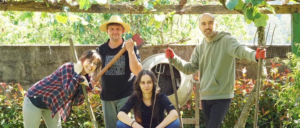 Piñeiro (video), Padrón (acordeón), Vázquez e Abad (guitarra).   | // M. P.