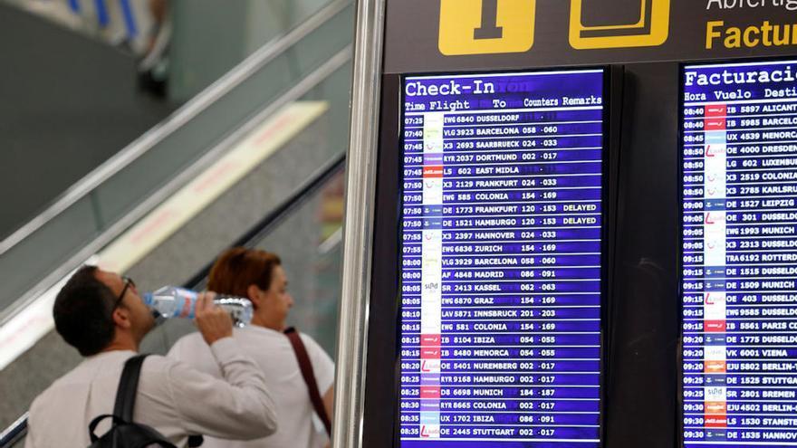 Afectados por la suspensión de pagos de Thomas Cook en el aeropuerto de Palma