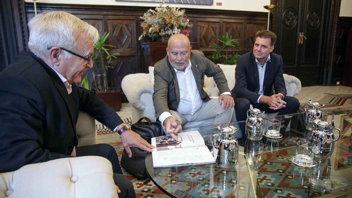 Reunion del alcalde Joan Ribó con el presidente de MSC España, Francisco Lorente, en al año 2019