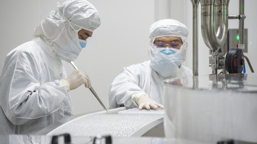 China empieza a vacunar a mayores de 60 años y a enfermos crónicos