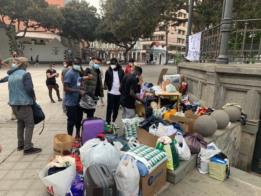 Recogida de ropa y comida para migrantes que pernoctan en la calle